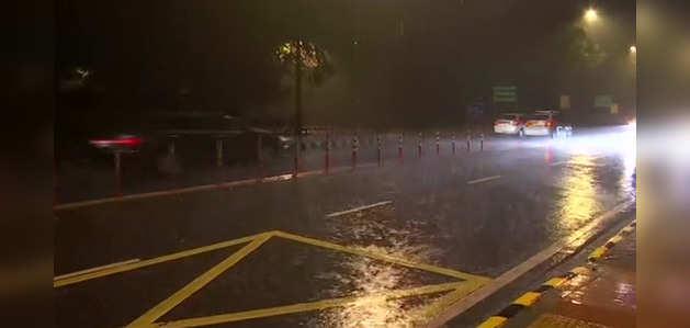 दिल्ली-NCR में झमाझम बारिश, बढ़ी ठंड
