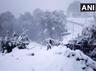 मौसम की करवट: पहाड़ों पर बर्फबारी, बारिश और ओलों ने मैदानों में बढ़ाई ठिठुरन