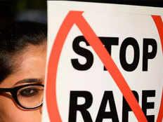 युवती को 'उन्नाव से भी भयंकर कांड दोहराने' की धमकी देने वाला रेप आरोपी गिरफ्तार