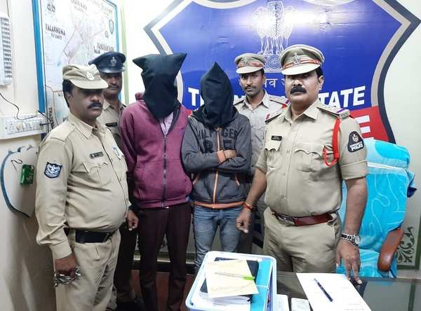 18 year old girl raped by auto driver in hyderabad