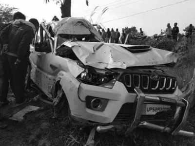 दुर्घटनाग्रस्त हुई एसयूवी