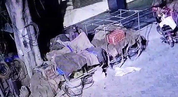 man steals twenty kg of onions case registered by telangana police
