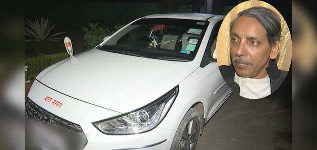 JNU VC की कार पर कथित रूप से छात्रों ने किया हमला
