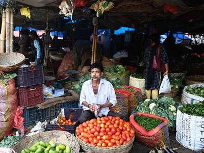 गुवाहाटी में आसमान छू रही हैं सब्जी की कीमतें