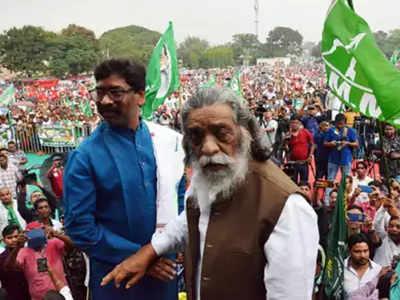 एक रैली में हेमंत सोरेन और शिबू सोरेन