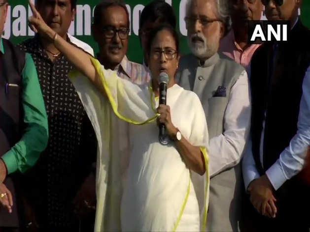 कोलकाता में ममता बनर्जी की रैली