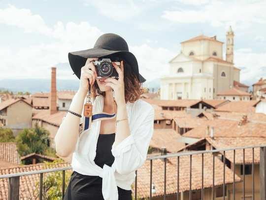 millionaire is hiring personal photographer