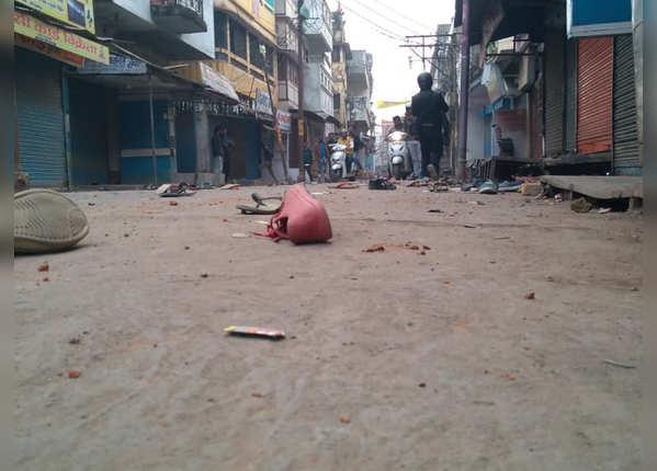 गोरखपुर में पुलिस-प्रदर्शनकारी आमने-सामने