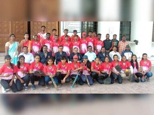 विभागीय सॉफ्टबॉल स्पर्धेत देवगिरी कॉलेज अजिंक्य