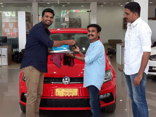 Actor Vijilesh Buys Volkswagen Polo GT