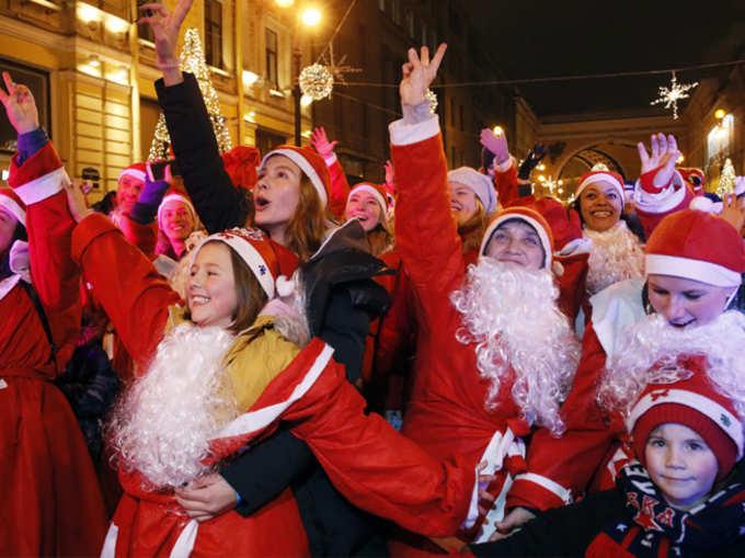 जगभरात नाताळचा उत्साह