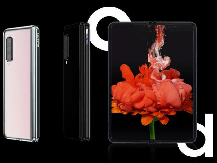 Samsung Galaxy Fold से Moto Razr तक, इस साल आए ये अनोखे स्मार्टफोन