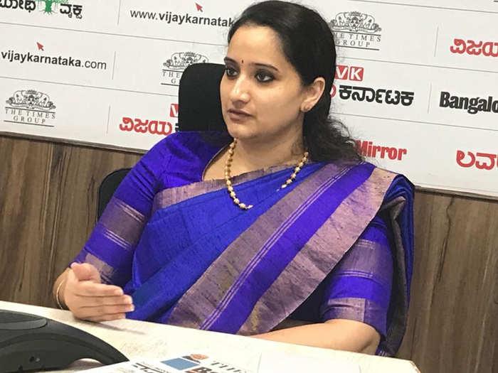 Dr Apurva Amarnath
