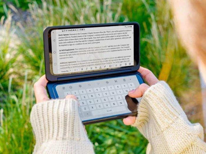 LG G8X ThinQ: दो स्क्रीन वाले स्मार्टफोन को बढ़िया रिस्पॉन्स, बिके 1000 से ज्यादा यूनिट्स