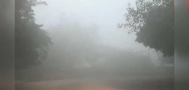 घने कोहरे से ढका दिल्ली-एनसीआर
