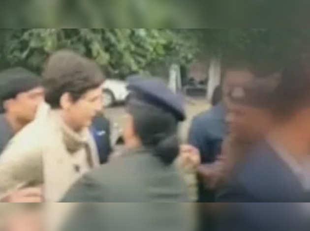 सीआरपीएफ ने कहा, प्रियंका गांधी ने प्रोटोकॉल का उल्लंघन किया