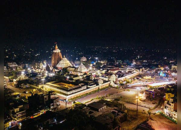 नए साल के लिए सजाया गया जगन्नाथ मंदिर