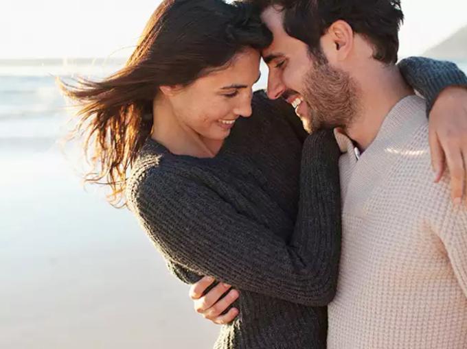 रोमांटिक कपल ऐसे बिताएं साल 2020 की पहली शाम, करें दशक की शानदार शुरुआत