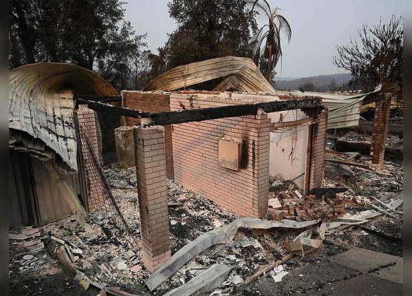 कई घर आग में जलकर हुए खाक