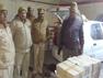 बागपत: पुलिस को देख तस्कर कार छोड़कर फरार, 32 पेटी शराब बरामद