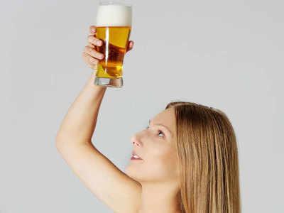 स्किन के लिए फायदेमंद है बियर, ऐसे करें यूज