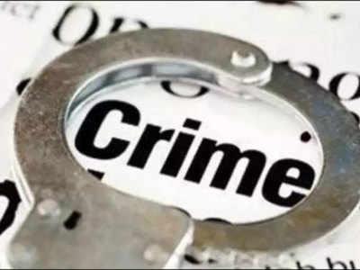 यूपी में अपराध बढ़ा, अधिकारी बना रहे आबादी को बहाना