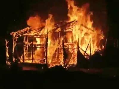 आसनसोल में जलकर खाक हुआ बीजेपी दफ्तर, टीएमसी कार्यकर्ताओं पर लगे आरोप