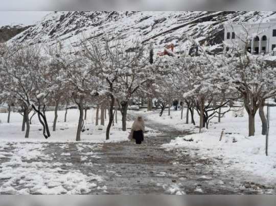 पाऊस, बर्फवृष्टीमुळे पाकिस्तानात १४ जणांचा बळी