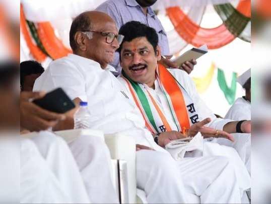 dhananjay munde and sharad pawar