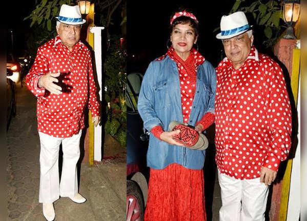 जावेद अख्तर की बर्थडे पार्टी में रेट्रो लुक में पहुंचे सितारे