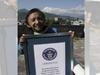 दुनिया के सबसे छोटे कद के व्यक्ति खगेंद्र थापा का नेपाल में निधन