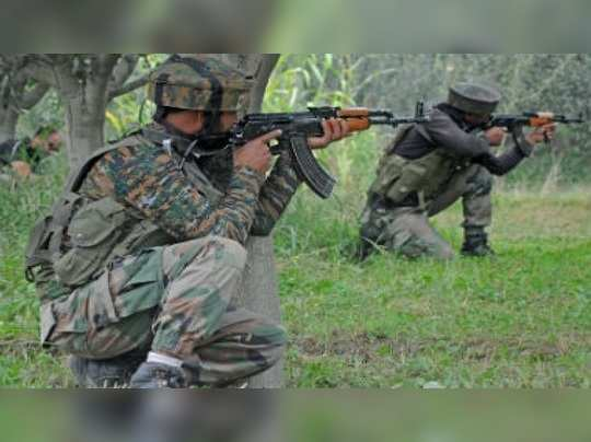 kashmir-soldiers-Umer-Asif-101reporter