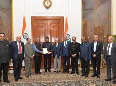 प्रतिनिधिमंडल ने राष्ट्रपति रामनाथ कोविंद को ज्ञापन भी सौंपा