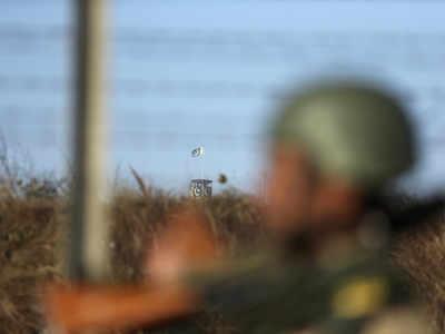 भारत-पाकिस्तान सीमा पर तनाव बरकरार