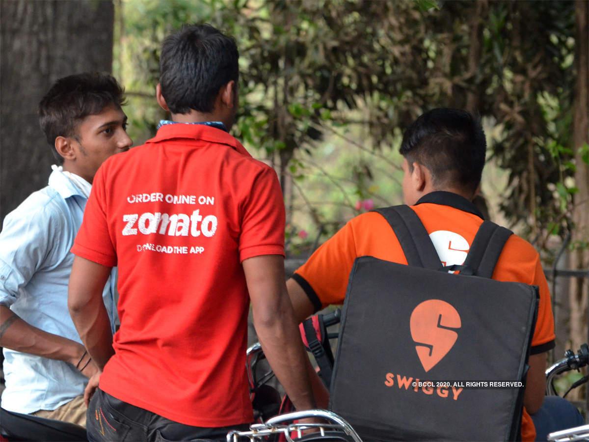 Zomato: पहले डाली लत अब स्विगी और जोमैटो से खाना ऑर्डर हुआ महंगा...पढ़िए कैसे - zomato and swiggy increased delivery charges, food become costlier   Navbharat Times