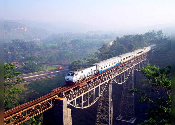 आरगो गेडे रेलमार्ग, इंडोनेशिया