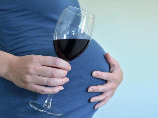 प्रेग्नेंसी में भूल से भी न पिएं शराब