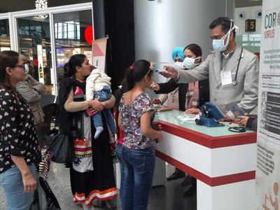 चीन से आ रहे यात्रियों की एयरपोर्ट पर जांच की जा रही है