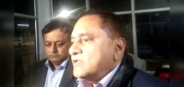 फर्रूखाबाद: यूपी डीजीपी ने बताया- आरोपी ने 20 बच्चों को बनाया था बंधक, ग्रामीण को मारी गोली