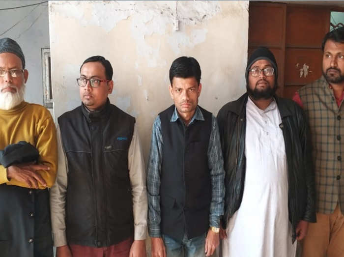 पांच गिरफ्तार