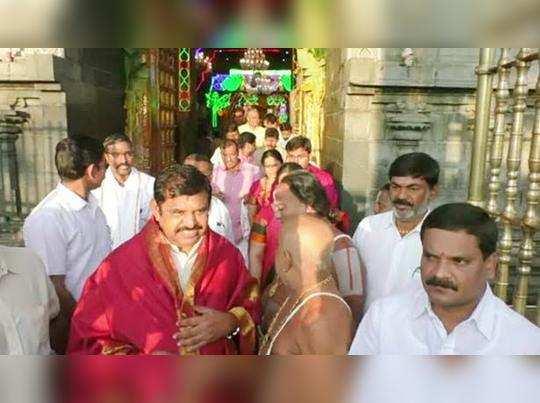 முதல்வர் பழனிசாமி குடும்பத்துடன் ஆன்மிக பயணம்: எங்கே தெரியுமா