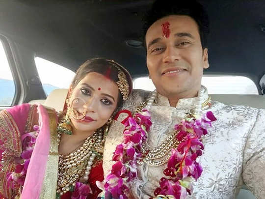 अनुराग शर्मा और नंदिनी गुप्ता की शादी की तस्वीरें-विडियोज आए सामने, अब ग्रैंड रिसेप्शन की तैयारी