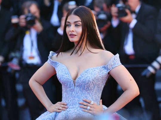 aishwarya rai singing video: #Throwback: गजब की सिंगर हैं ऐश्वर्या राय  बच्चन, यकीन नहीं तो देख लीजिए यह विडियो - actress aishwarya rai bachchan an  amazing singer this throwback video is a
