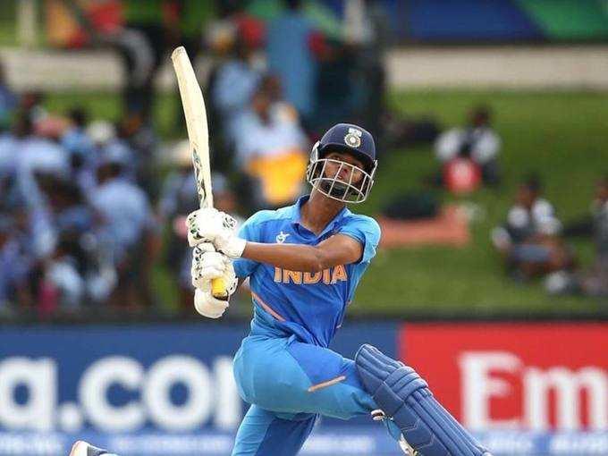 शान से फाइनल में भारत
