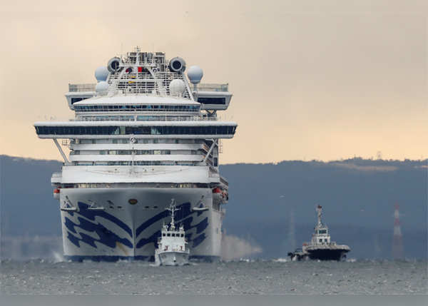 इटली में भी रोका जा चुका है जहाज