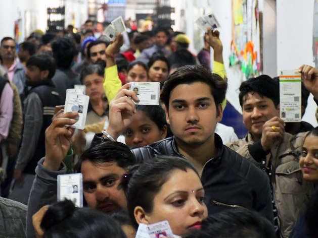 दिल्ली में 61 पर्सेंट वोटर्स ने अपने मताधिकार का प्रयोग किया