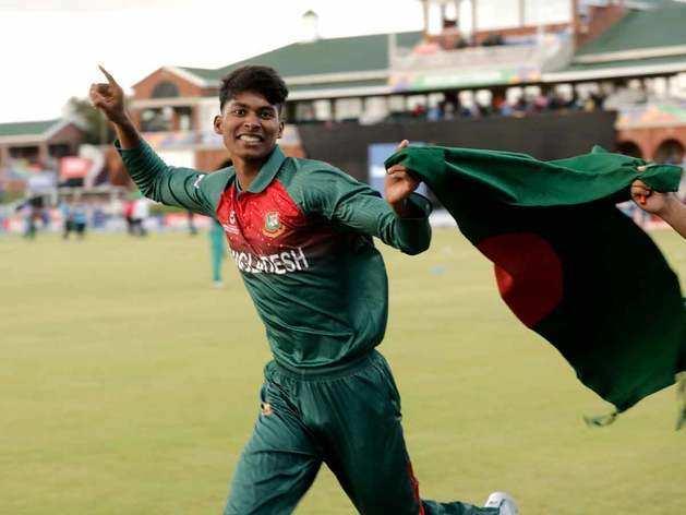 जोश में होश खो बैठे बांग्लादेशी खिलाड़ी