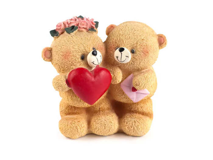 what if your girlfriend does not like teddy give these gifts to her