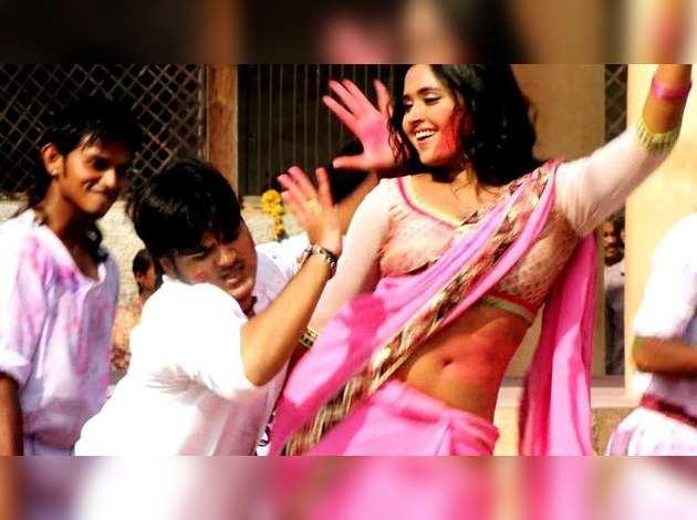 2 करोड़ से ज्यादा बार देखा गया काजल राघवानी और कल्लू का यह भोजपुरी HOLI SONG