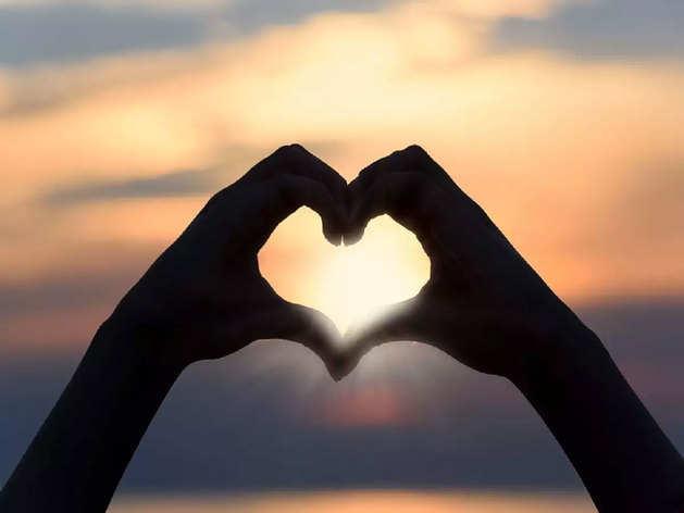 Promise Day Gifts: इन गिफ्ट्स के जरिए उनसे करें प्यार का वादा